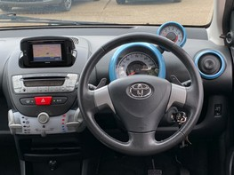 Toyota Aygo VVT-I MOVE WITH STYLE MM 18