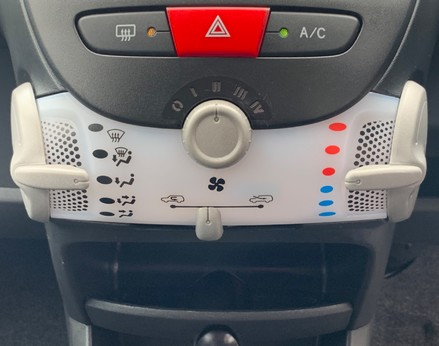 Toyota Aygo VVT-I MOVE WITH STYLE MM 24