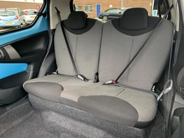 Toyota Aygo VVT-I MOVE WITH STYLE MM 33