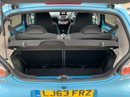 Toyota Aygo VVT-I MOVE WITH STYLE MM 35