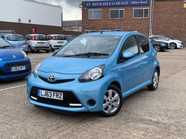 Toyota Aygo VVT-I MOVE WITH STYLE MM 1