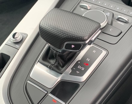 Audi A4 1.4 TFSI S-LINE (148 BHP) 36
