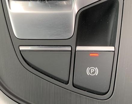 Audi A4 1.4 TFSI S-LINE (148 BHP) 37