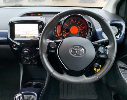 Toyota Aygo VVT-I X-PRESSION 17