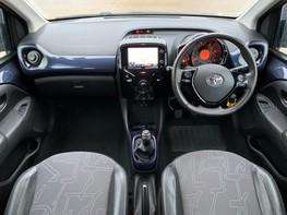 Toyota Aygo VVT-I X-PRESSION 2