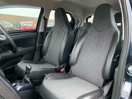 Toyota Aygo VVT-I X-PRESSION 37