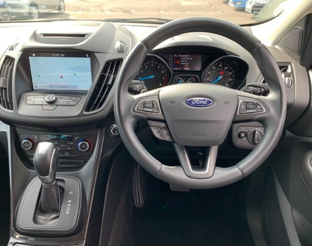 Ford Kuga TITANIUM 18