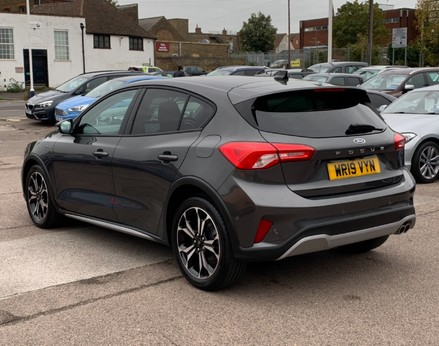 Ford Focus ACTIVE X 64