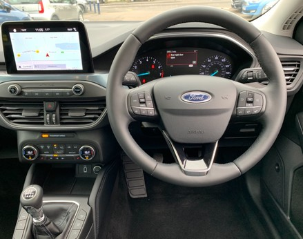 Ford Focus ACTIVE X 18