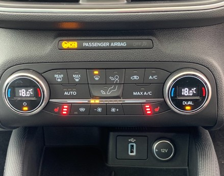 Ford Focus ACTIVE X 39