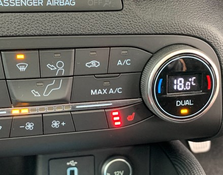 Ford Focus ACTIVE X 41
