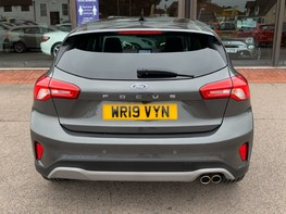 Ford Focus ACTIVE X 6