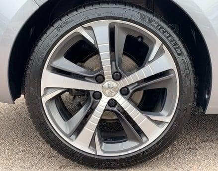 Peugeot 308 BLUE HDI S/S SW GT LINE 15