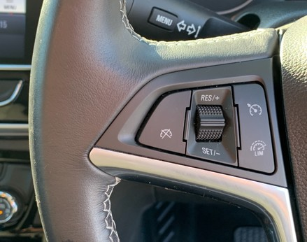 Vauxhall Mokka X DESIGN NAV 33