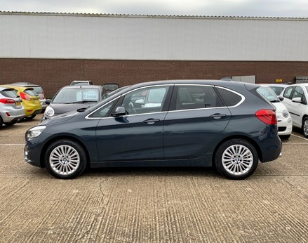 BMW 2 Series 218D LUXURY ACTIVE TOURER 11