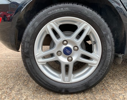 Ford Fiesta ZETEC 14