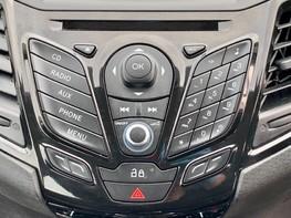 Ford Fiesta ZETEC 29