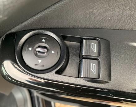 Ford Fiesta ZETEC 37