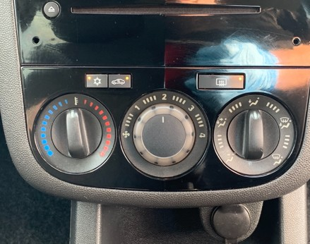 Vauxhall Corsa SXI AC 25