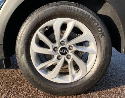 Hyundai Tucson CRDI SE BLUE DRIVE 14