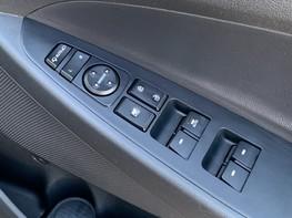 Hyundai Tucson CRDI SE BLUE DRIVE 39