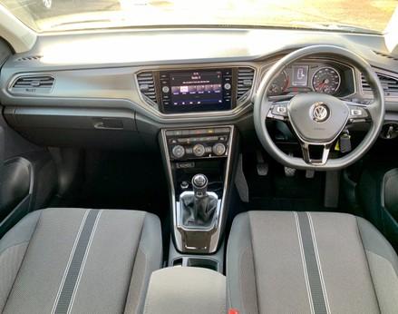 Volkswagen T-Roc SE TDI 2
