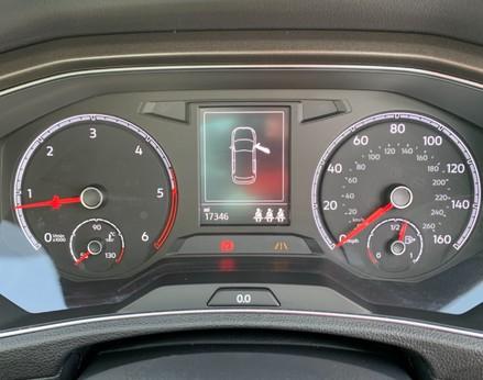 Volkswagen T-Roc SE TDI 19