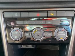 Volkswagen T-Roc SE TDI 34