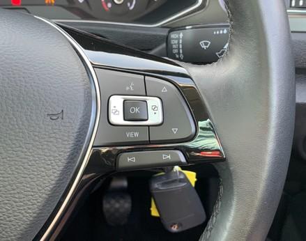 Volkswagen T-Roc SE TDI 39
