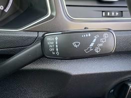 Volkswagen T-Roc SE TDI 41
