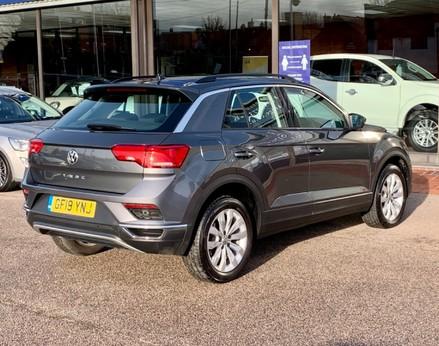 Volkswagen T-Roc SE TDI 8