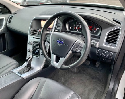 Volvo XC60 D4 SE NAV 17