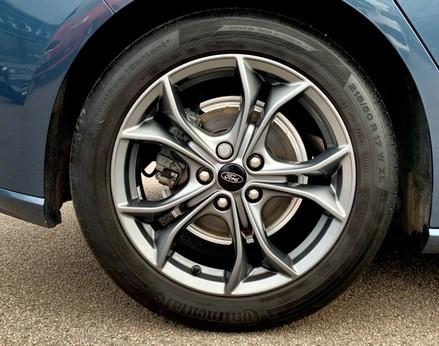 Ford Focus ST-LINE 15