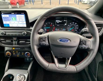 Ford Focus ST-LINE 18