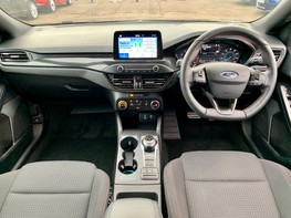 Ford Focus ST-LINE 2