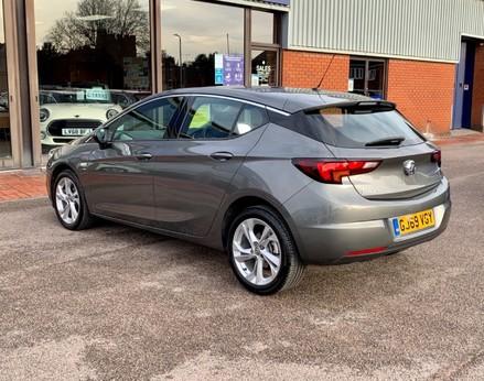 Vauxhall Astra SRI CDTI S/S 9