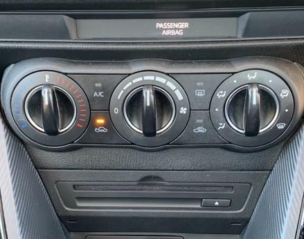 Mazda 2 SE-L 25