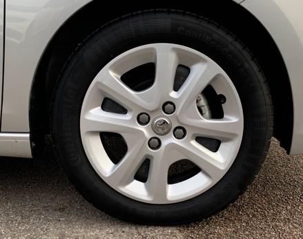 Vauxhall Viva SE AC 16