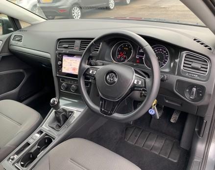 Volkswagen Golf SE NAVIGATION TSI BLUEMOTION TECHNOLOGY 17
