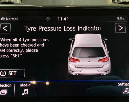 Volkswagen Golf SE NAVIGATION TSI BLUEMOTION TECHNOLOGY 28