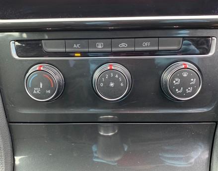 Volkswagen Golf SE NAVIGATION TSI BLUEMOTION TECHNOLOGY 37