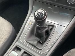 Volkswagen Golf SE NAVIGATION TSI BLUEMOTION TECHNOLOGY 39