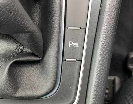 Volkswagen Golf SE NAVIGATION TSI BLUEMOTION TECHNOLOGY 41
