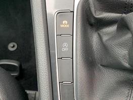 Volkswagen Golf SE NAVIGATION TSI BLUEMOTION TECHNOLOGY 40