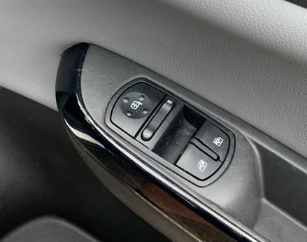 Vauxhall Corsa SE 39