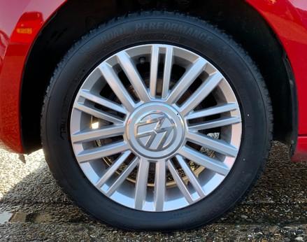 Volkswagen Up MOVE UP 13