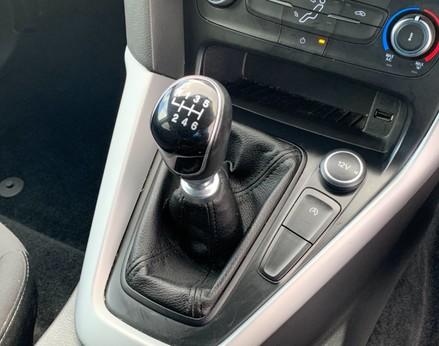 Ford Focus ZETEC EDITION 33
