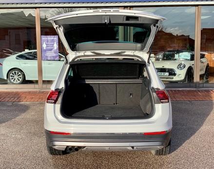 Volkswagen Tiguan SEL TDI BMT 54