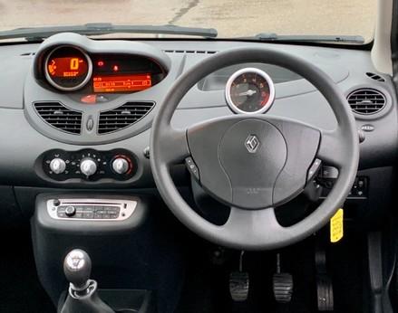 Renault Twingo DYNAMIQUE 18