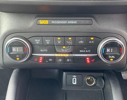 Ford Focus TITANIUM 34